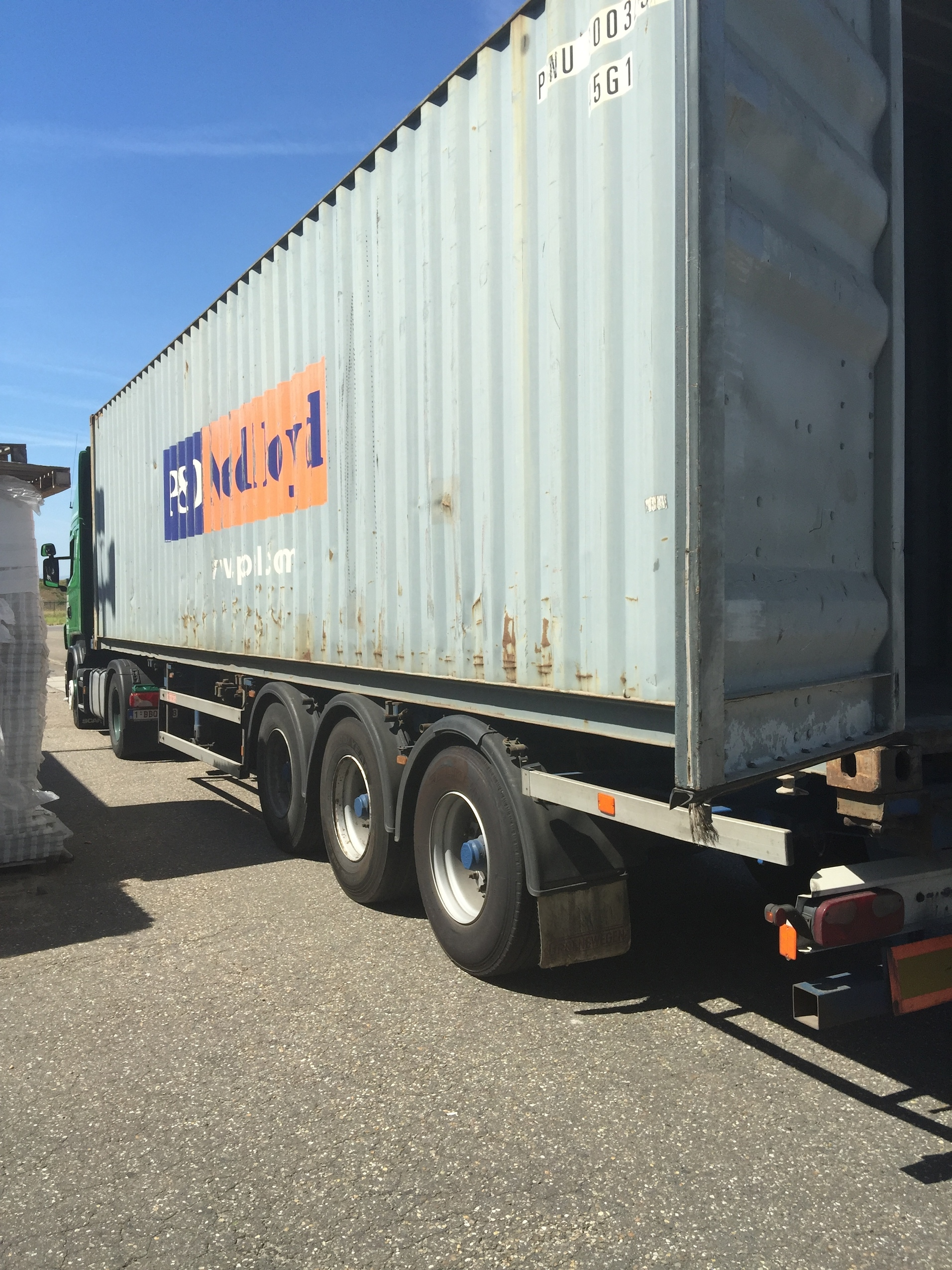Loading and Shipment of Electoral Material | Ghent, Belgium | 6 August 2015